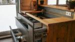 Küche mit Herd und Altholz Sichtseite - Holzquadrat OHG