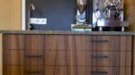 Kaffeeeck aus Ulme mit Siebträgermaschine - Holzquadrat OHG
