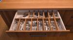 Schublade mit Besteckeinsatz aus Ulme - Holzquadrat OHG